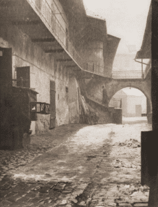 Image of Entrance to the Jewish quarter in Cracow, 1938.