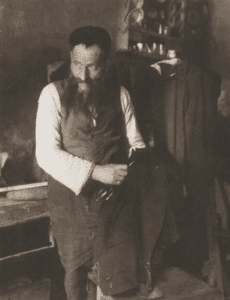 Image of Zelig, the tailor in Wolomin.