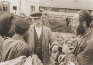 Image of Jews and peasant on market day in Otwock, 1937.