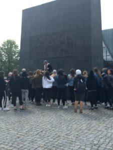 Image of Warsaw ghetto memorial