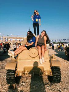 Image of MOTL teens at Latrun Tank Museum